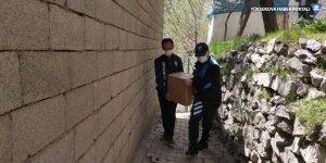Hakkari'de Kovid-19 nedeniyle evden çıkamayan 5 bin kişiye yardım
