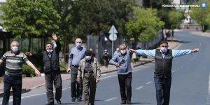 65 yaş ve üstü yurttaşların sokağa çıkma saati değiştirildi