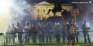 Öfke dinmiyor: Beyaz Saray'ın önünde çatışma