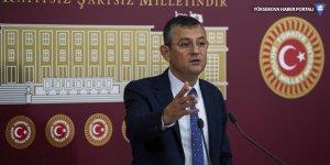 CHP'li Özel'e TBMM'de yumruklu saldırı