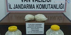 Van'da peynir bidonları içerisine gizlenmiş 2 kilogram sentetik uyuşturucu yakalandı