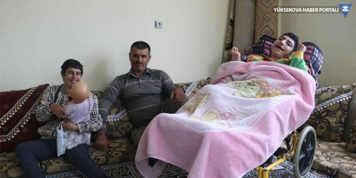 Hayatını engelli 4 çocuğuna adayan baba: Onları çok seviyorum