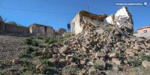 Van'da evleri hasar gören vatandaşlar deprem anını anlattı