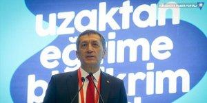 Milli Eğitim Bakanı Selçuk, canlı ders programını paylaştı