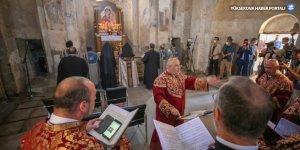 Akdamar Kilisesi'ndeki 8. ayin Kovid-19 tedbirleri altında başladı