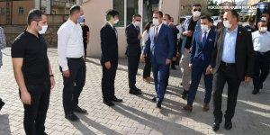 Vali İdris Akbıyık'ın Derecik ve Şemdinli ziyareti