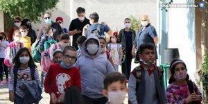 'Maske değiştiren çocukların koronavirüs bulaştırma riski var'