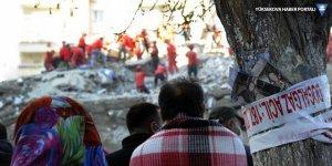 İzmir'deki depremde can kaybı 69'a yükseldi
