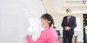 Bakan Selçuk, öğrencilere 50 bin tablet dağıtılacağını duyurdu