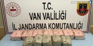 Başkale'de 15 kilogram sentetik uyuşturucu ele geçirildi