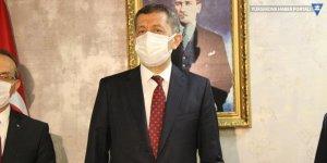 Milli Eğitim Bakanı Selçuk'tan çocuklara maske ve mesafeli fiziksel aktivite çağrısı