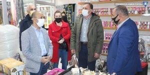 Yüksekova'da esnaf ziyaretinde bulunan Dede: Hükümet esnafı desteklemiyor