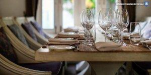 İçişleri: Otellerin konaklama yapmayan müşterilere yemek hizmeti vermesi yasaklandı