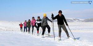 Yüksekovalı kayakçılar Türkiye Şampiyonası'na hazırlanıyor