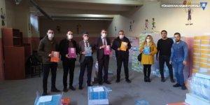 Hakkari'de 15 bin öğrenciye kaynak kitapları dağıtıldı
