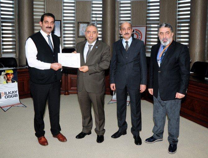 YYÜ'de sertifika dağıtım töreni