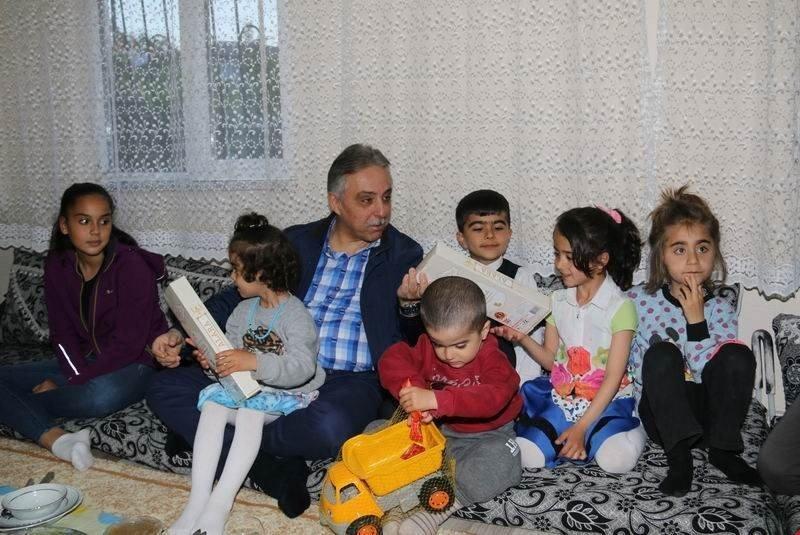 Vali Toprak, Korkmaz ailesiyle birlikte iftar yaptı