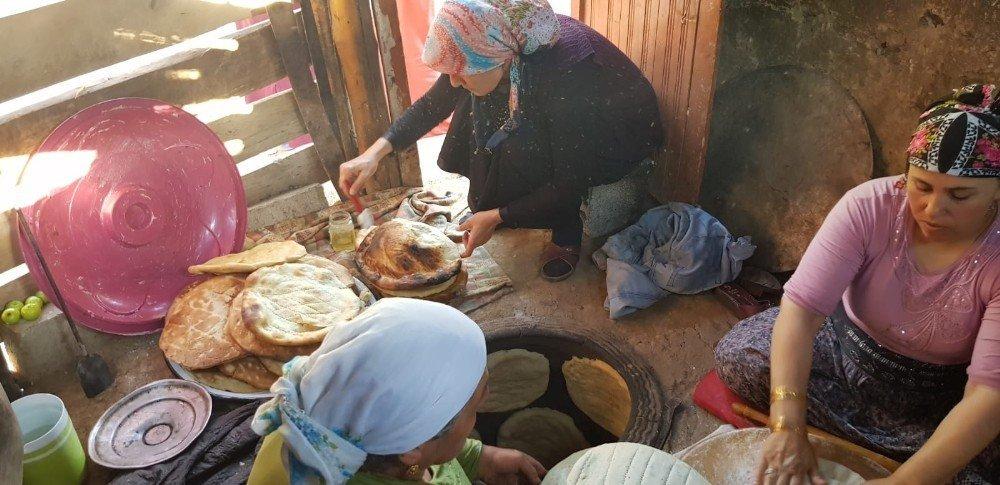 Köylü kadınların bayram hazırlığı