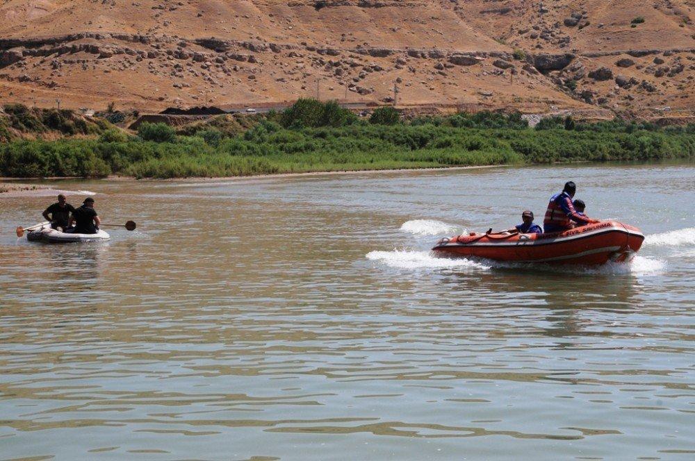 Dicle Nehri'nde kaybolan işçilerden birinin cansız bedenine ulaşıldı