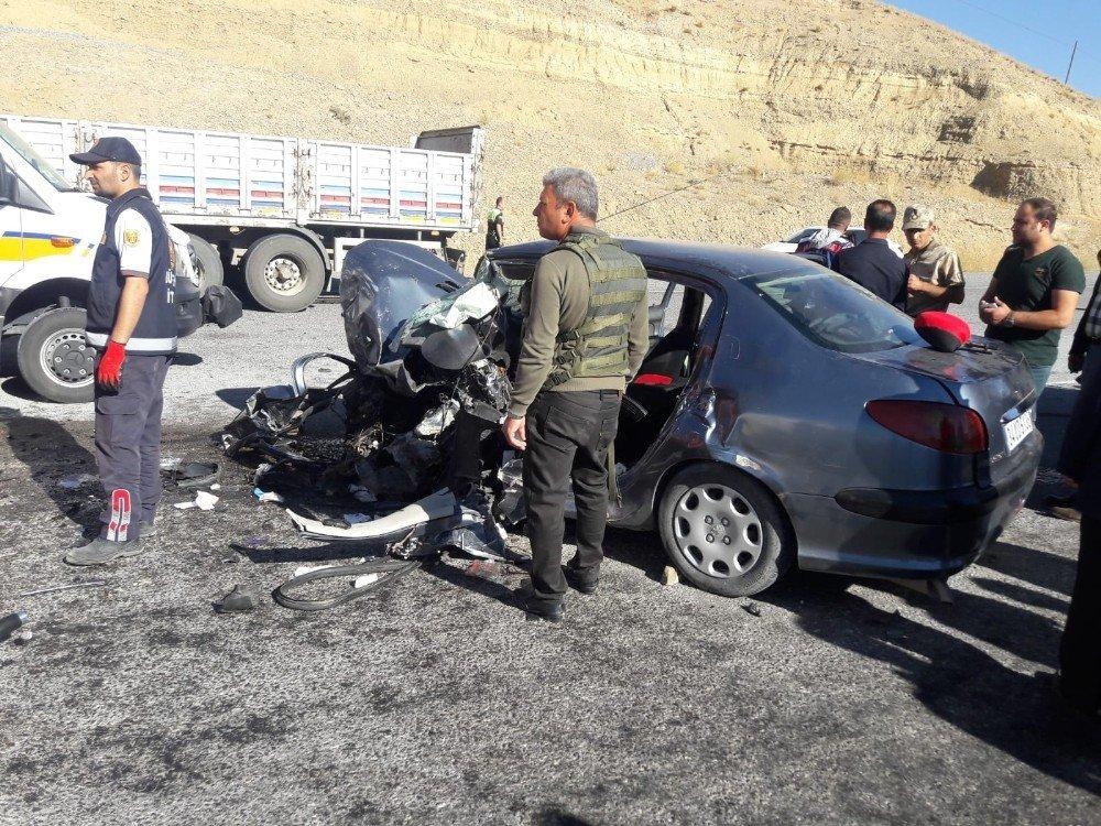 Başkale yolunda kaza: 1 yaralı