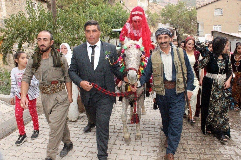 Uludere'nin değişmeyen düğün geleneği