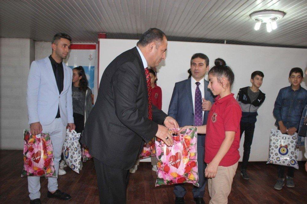 Hakkari'de 'Okul Destek Projesi' programı