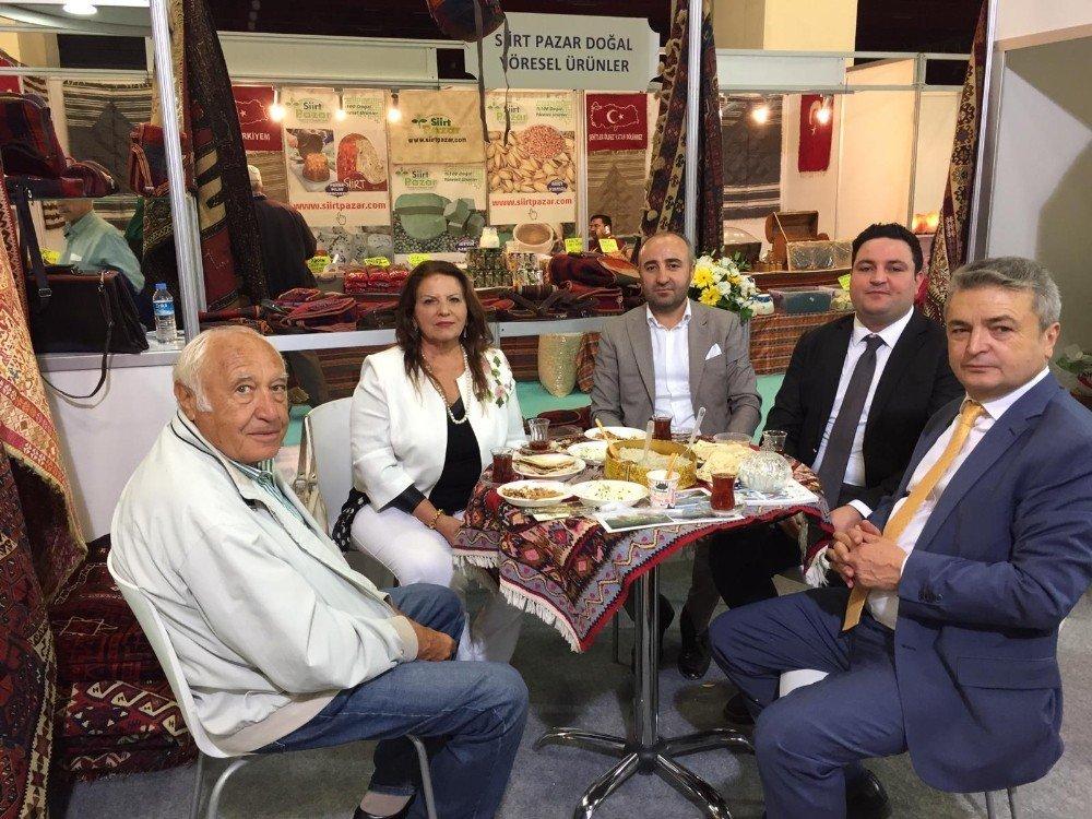 Antalya'da Hakkari standına yoğun ilgi