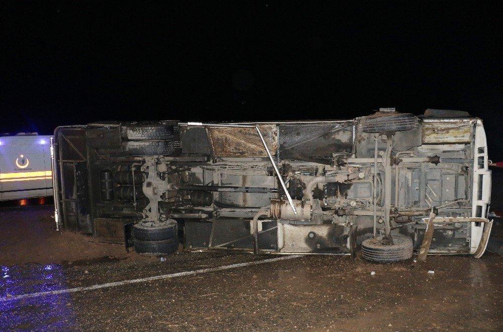 Diyarbakır'da yolcu otobüsü devrildi: 1 ölü, 29 yaralı