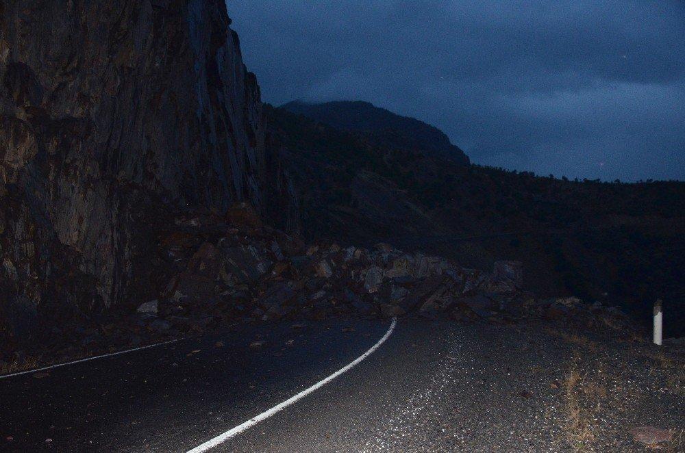 Şırnak-Beytüşşebap yolu ulaşıma kapandı