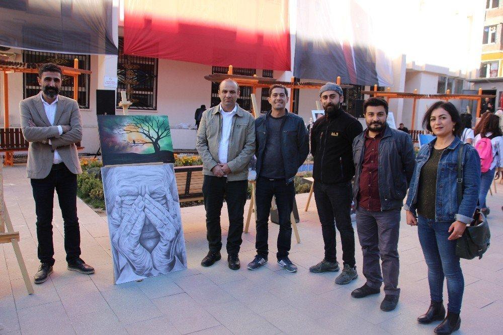 Hakkari'de resim sergisi