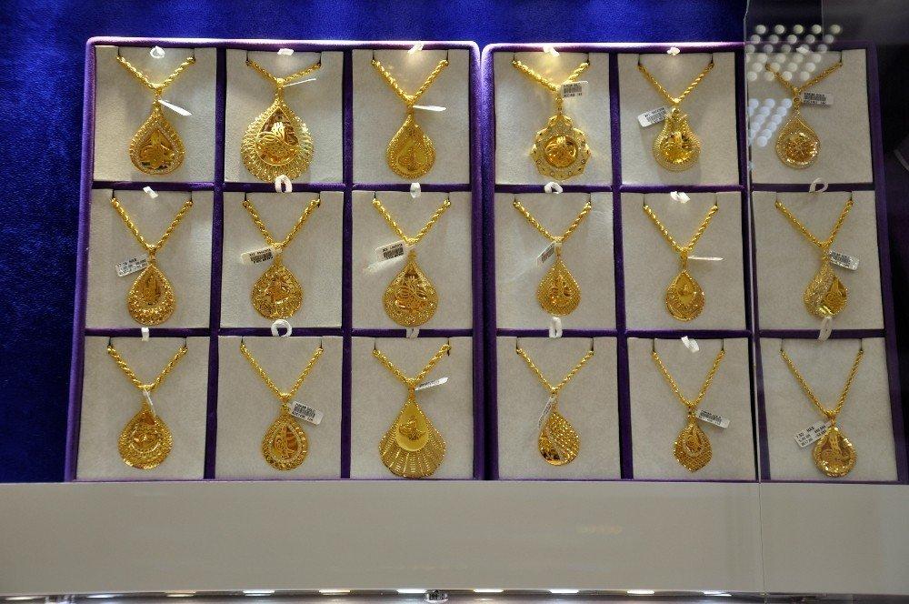 Altın fiyatının düşmesi vatandaşları kuyumculara yönlendirdi