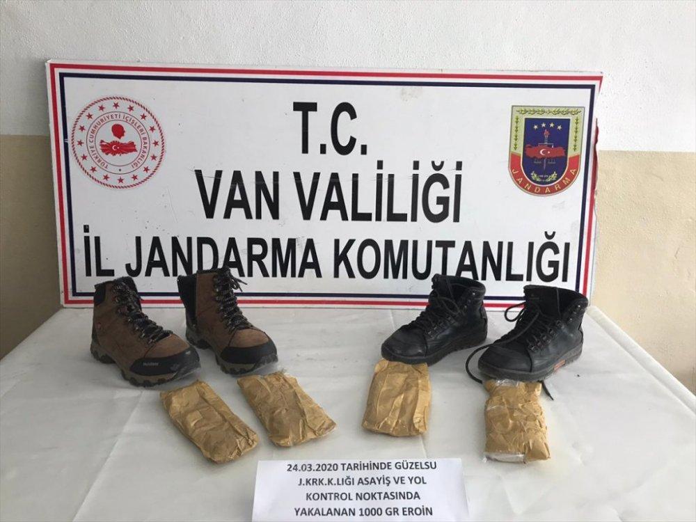 Uyuşturucuyu ayakkabılara gizlemişler
