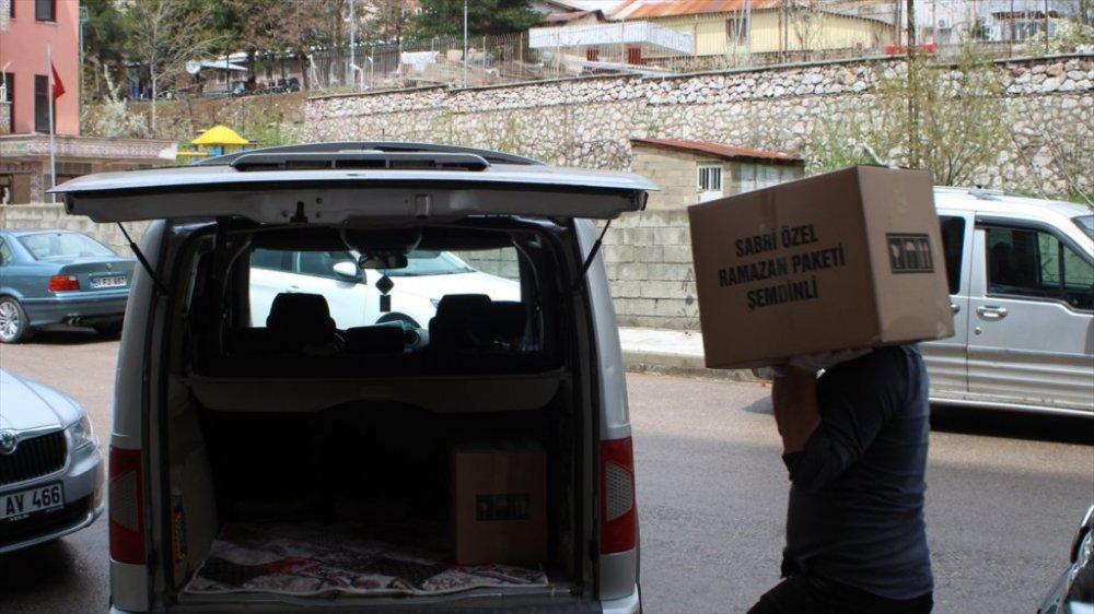 Şemdinlili iş adamları Celal ve Sabri Özel kardeşlerden ihtiyaç sahibi ailelere yardım eli
