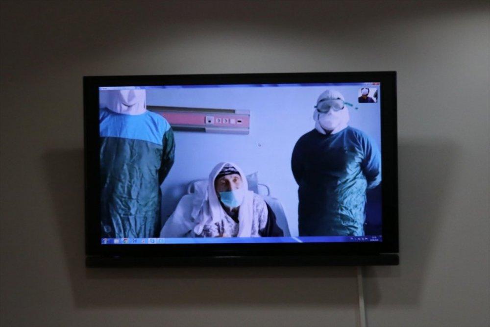 Van'da hastalar, yakınlarıyla görüntülü görüştürülüyor