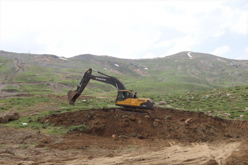 Hakkari'de 2 bin 800 rakımlı kayak merkezine 120 yataklı otel inşa ediliyor
