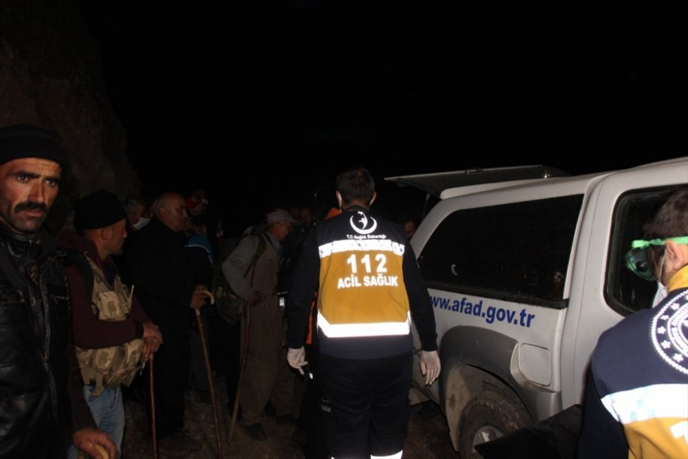 Hakkari'de odun toplamak için gittiği ormanda kaybolan kişinin cesedine ulaşıldı