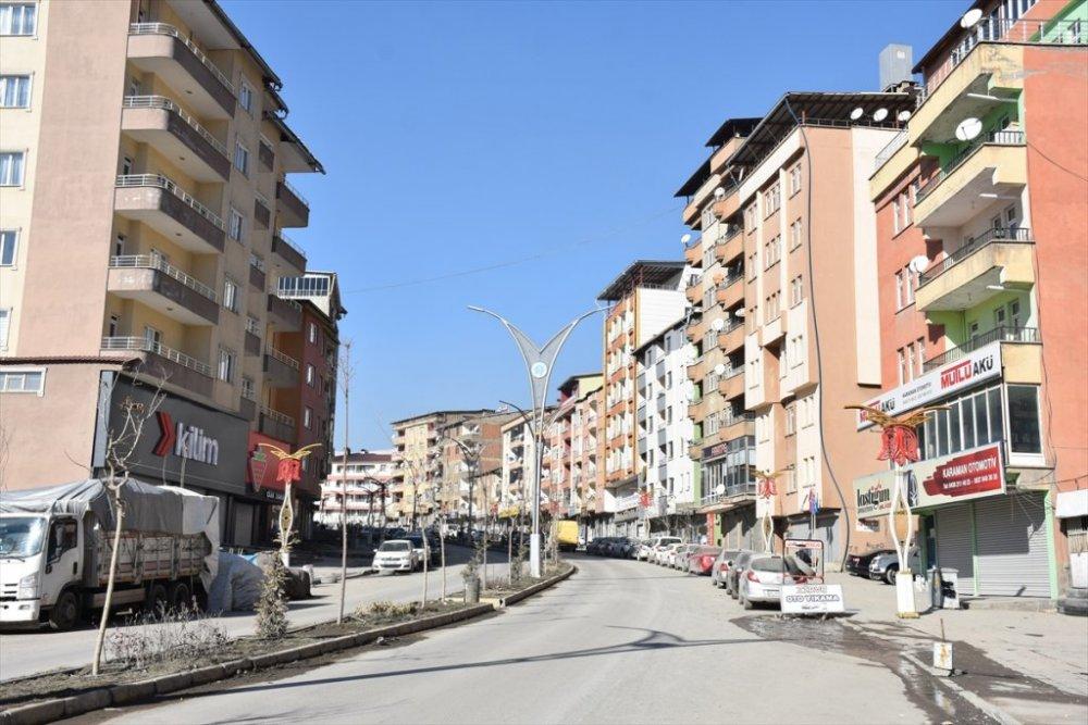 Van, Bitlis, Muş ve Hakkari'de sokaklar sessizlik hakim oldu