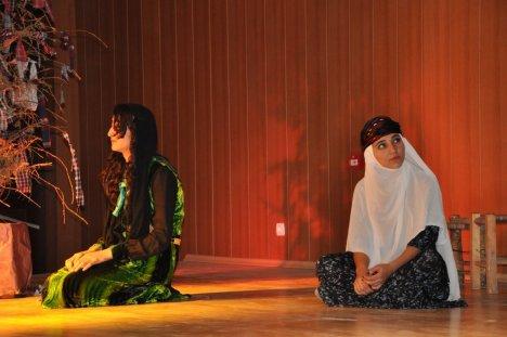 Derik Lisesi Öğrencilerden Tiyatro Gösterisi