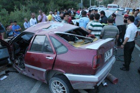 Feci kaza: 2 ölü, 3 ağır yaralı