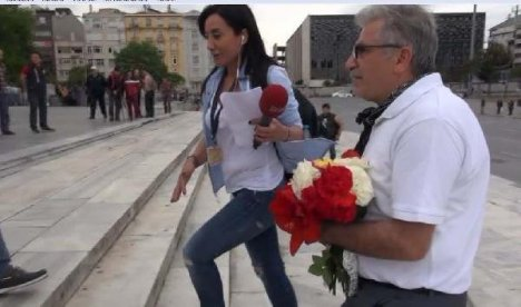 Gezi Parkı'na Çiçek Bırakmak İstedi, Polis İzin Vermedi