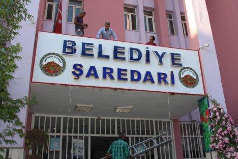 Hakkari Belediyesi'nden Türkçe Kürtçe Tabela