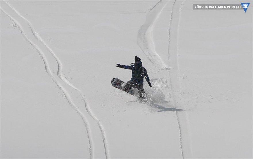 hakkari-kayak-snowboard.jpg