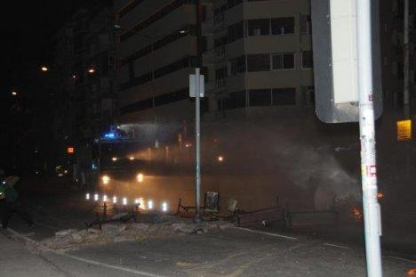 İzmir'de gergin gece
