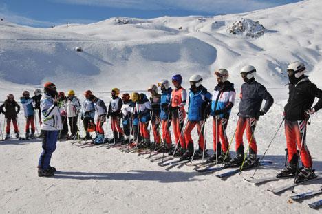 k2.20130104170338 Yüksekovada kayak yarışması