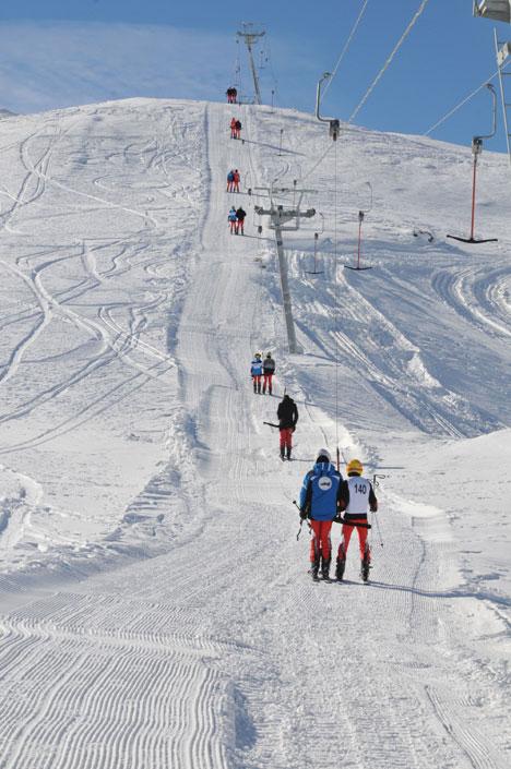 k5.20130104170626 Yüksekovada kayak yarışması