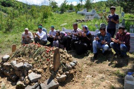 Ölüm Madeninde Çalışan Madenci: Sıcak Kömür Geliyordu