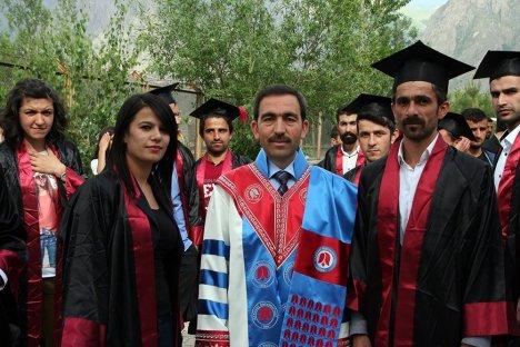 Üniversitede Mezuniyet Töreni