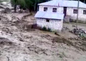 Yüksekova Aşağı Öveç Köyü su baskını 2