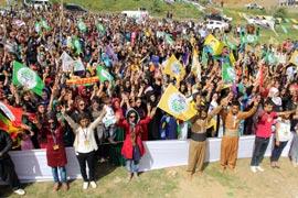 HDP Şemdinli'de miting düzenledi