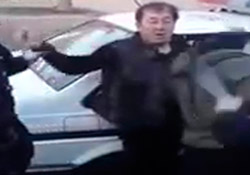 Polisin copu genç kadını böyle bayılttı